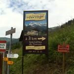 Panneau au bord de la route cantonale, env. 2 km de Morgins